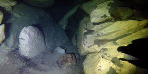 Mokra diera a Sucha diera prepojená pod vodnou hladinou